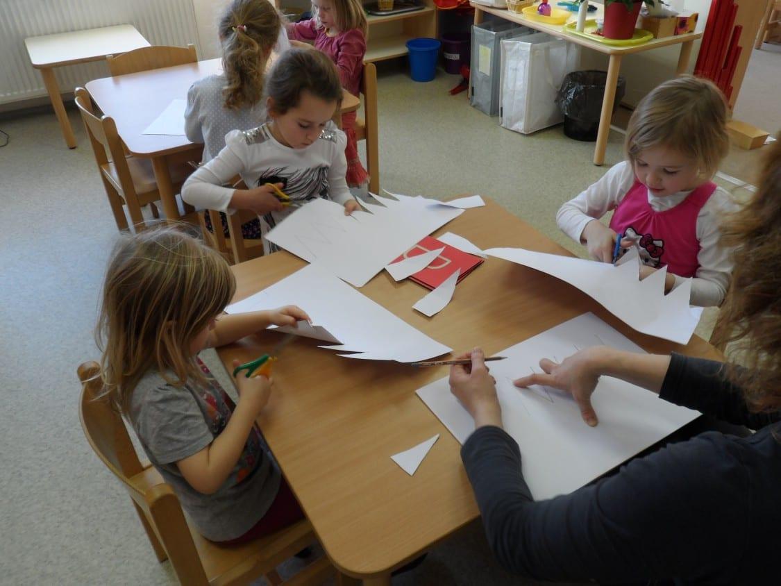 Sofie-materska-skola-vyroba-trikralovych-korun